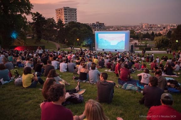 Dès le 30 août le Festival Silhouette ouvre ses portes: les professionnels du cinéma présents organisent projections, table ronde. Demandez vos invitations maintenant
