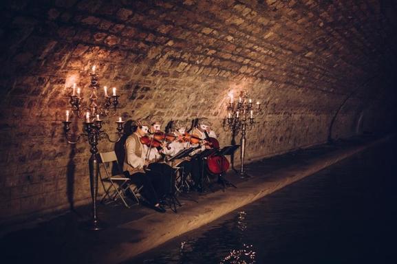 Voulez-vous vivre une soirée parisienne hors du commun? Réservez vos places pour: Venise Sous Paris