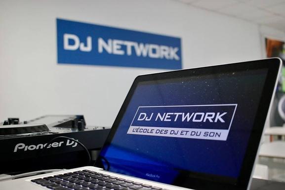 Dj Network c'est l'école des DJ à intégrer si vous voulez vous lancer dans une carrière professionnelle. Gagnez vos formations maintenant!