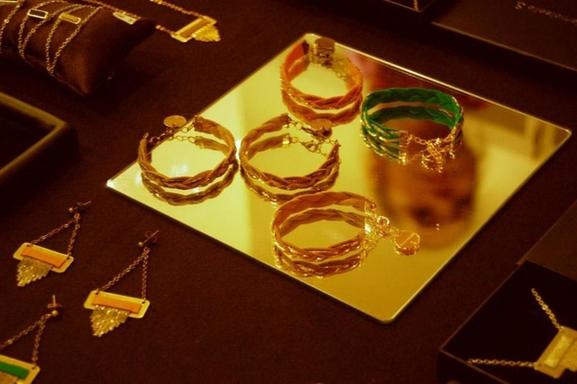 Egayez vos tenues avec les bijoux Mademoiselle S. !