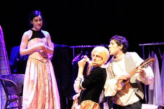 Les 3 Cheveux d'Or un spectacle jeune public dès 6 ans à visionner sur votre canapé en famille avec vos petits bambins !