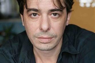 Stéphane Bierry a rejoint l'équipe de PLUS BELLE LA VIE! Un comédien passionné et sincère...