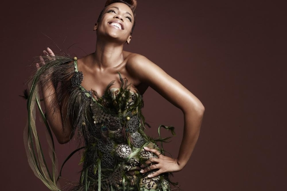 """Lynnsha nous parle de son dernier album """"Île & moi"""" sur Casting.fr !"""