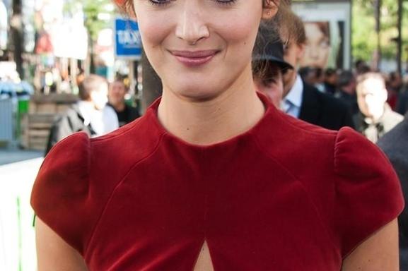 """Charlotte Le Bon, son Premier rôle """"Hollywoodien"""" avec le réalisateur Lasse Hallström ! Vous aussi participez au Casting en postulant ICI !"""