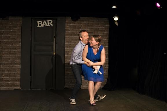 """""""Coup de foudre au Wagon Bar"""" d'Eric Boucher, une comédie qu'on aime et que vous allez adorer!"""