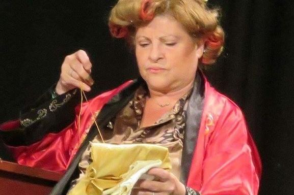 Maevy, une membre fidèle à Casting.fr depuis des années sort son premier roman, alors champagne !