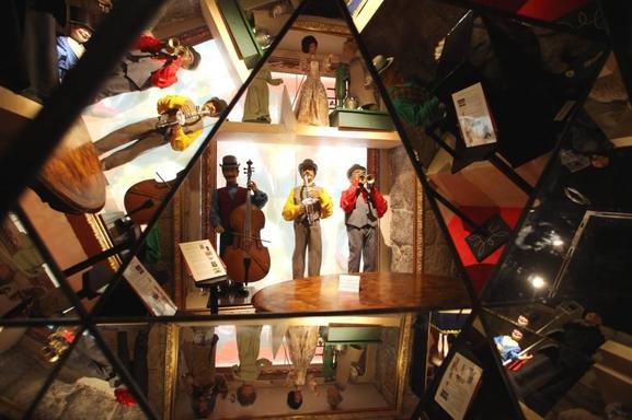 """""""Les Tremplins des Nouveaux Talents"""" consacrés à la chanson, l'humour et les arts visuels au musée de l'insolite à Nice!"""