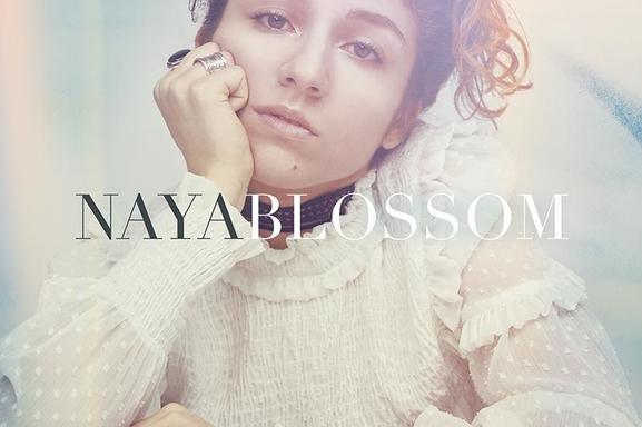 """""""Blossom"""", c'est le titre du premier EP de Naya, finaliste de The Voice Kids en 2014"""