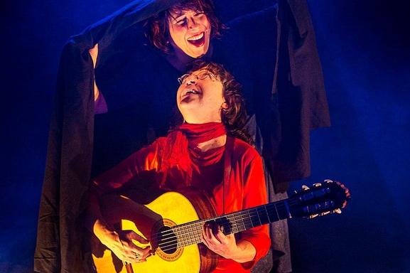 Aurélie & Verioca seront pour la première fois au Festival d'Avignon au Théâtre de l'Atelier Florentin pour un voyage musical franco-brésilien.