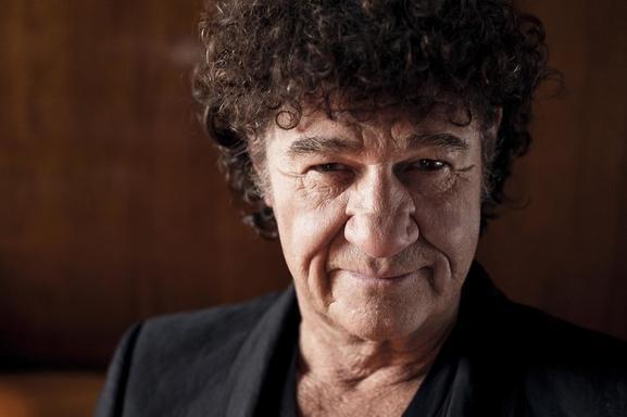 Robert Charlebois, LE célèbre interprète québécois revient enfin en France pour une nouvelle tournée !
