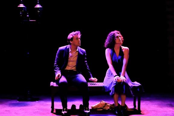 """""""Ah ces idiots qui osent rêver"""" une pièce musicale qui vous fera réfléchir sur les préceptes de l'amour."""