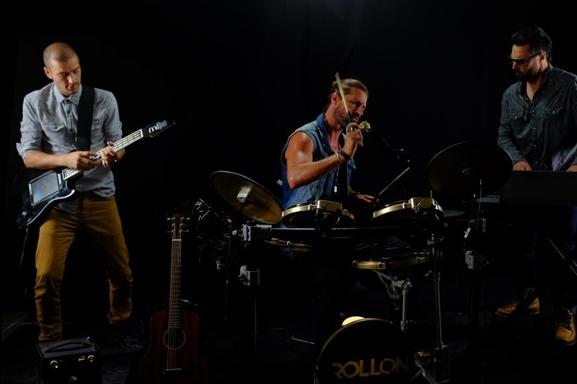 """Un trio, un groupe, un nouveau son: Succès garanti avec Run Away du groupe """"Rollon"""" sur Casting.fr"""