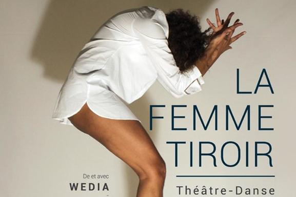 """"""" La femme tiroir """" l'expression enivrante d'une femme libérée."""