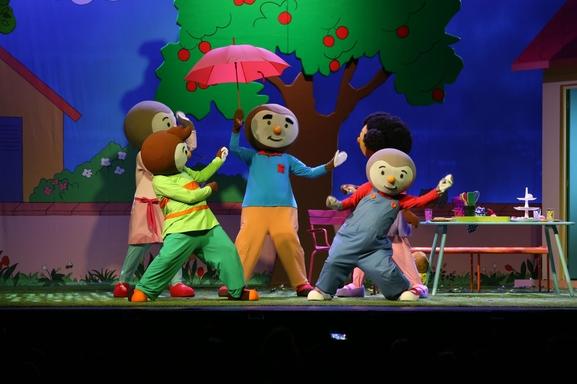 Viens chanter avec T'choupi, spectacle riche en couleurs et en émotions au Casino de Paris