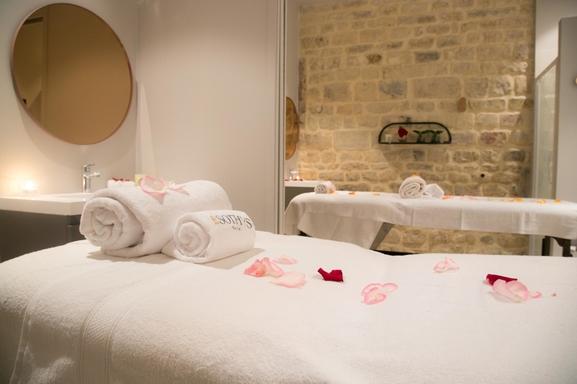 """Pour la Saint-Valentin nous vous offrons un massage duo en amoureux dans un lieu mythique """"Les Bains du Marais"""", vive l'amour et le bien-être!"""
