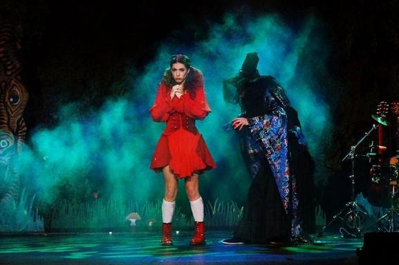 """""""La Folle Histoire du Petit Chaperon Rouge"""", venez découvrir la comédie musicale qui revisite le conte de votre enfance !"""