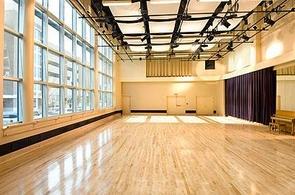 Pour vous : Un an de cours de théâtre gratuit au Studio Muller !