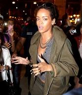 Le Buzz de Rihanna qui crée une émeute à Paris !