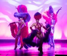 """Le """"Cabaret du Bout des Prés"""" nous dévoile son spectacle anniversaire """"déja 10 ans  !"""" : un rendez-vous champêtre et féerique."""