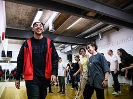 Vous voulez découvrir l'univers de la danse hip-hop? Casting.fr vous offre 4 places pour un workshop endiablé dans l'école Insolite School !