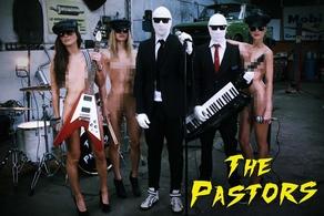 """""""The pastor"""" le groupe électro-pop formé par deux hommes invisible !"""