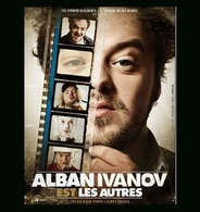 """Alban Ivanov revient sur scène avec son nouveau one man show déjanté """"Alban Ivanov EST les autres"""" !"""