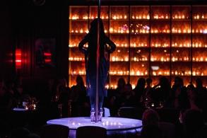 """Le temple de la sensualité vous invite pour """"La Nuit des Débutantes"""". Remportez vos entrées pour une soirée inoubliable au Secret Square, cabaret mythique au cœur de Paris !"""