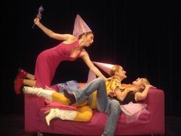 """""""Arrête de pleurer Pénélope!"""" : elle n'a toujours pas sèché ses larmes! : les 3 héroïnes reviennent sur scène!"""