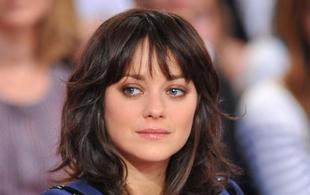 """Marion Cotillard nominée pour le SAG award de la meilleure actrice dans le film """"De rouille et d'os"""""""