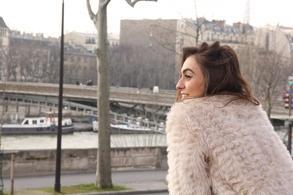 """Découvrez en excusivité sur casting.fr l'une de nos membres: Célia Diane dans le court-métrage """"Hours Pass By"""""""
