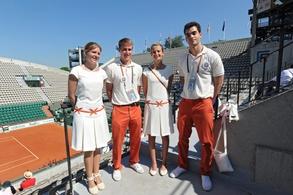 La prestigieuse agence d'hôtesses Mahola vous donne l'occasion de faire la belle pour Roland Garros