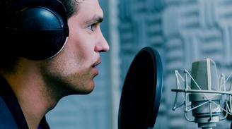 Devenez un pro de la voix-off grâce à La Voix Pub sur Casting.fr
