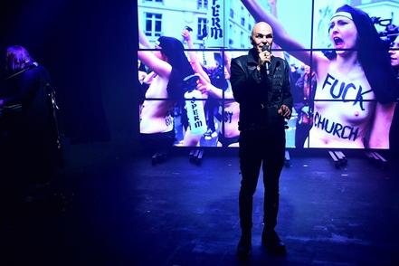 "Narcisse Alias Jean-Damien HUMAIR présente son spectacle musical à succès ""TOI TU TAIS"""