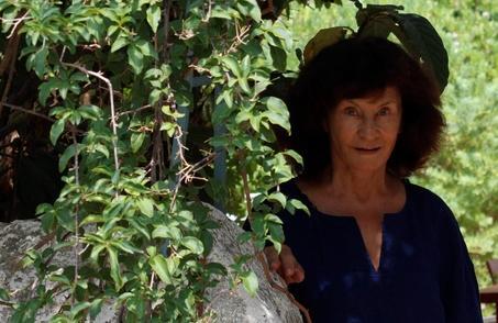 Auteur, comédienne et conseillère éditoriale Monique de Montrémy sera jurée au festival Les Floréales pour notre plus grand plaisir.