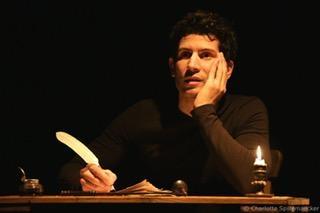 """Lionel Cecilio, un véritable passionné de théâtre, """"j'ai parfois l'impression d'atteindre la sensation d'une trans quand je suis sur scène"""""""