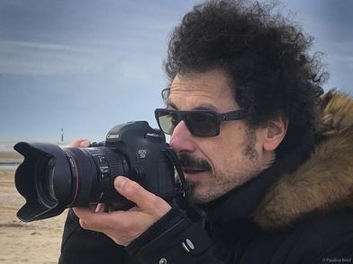 Pedro Lombardi, photographe professionnel à l'initiative du projet DANSE depuis son confinement 2020 nous parle du métier! Comment fait on pour devenir un photographe reconnu et réussir à vivre de son talent?