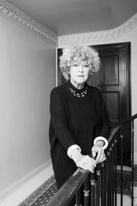 Elisabeth Reynaud auteur et biographe des stars est sur Casting.fr.