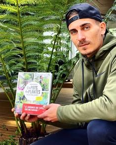 Corentin Pfeiffer un jardinier star des réseaux sociaux fait mouche et tout le monde se l'arrache ! Découvrez le sur Casting.fr !