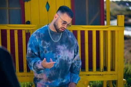 """DJ'RAN? Dj, compositeur et Producteur, un artiste aux célèbres feat avec Big Ali, Rihanna, Lucenzo, Akon, Omarion et tant d'autres! Désormais en solo et en plein confinement il sort son clip : """"Moment"""", il se raconte en quelques mots dans une interview 1"""