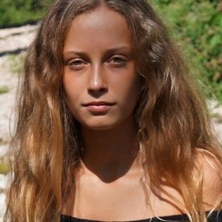 Ilona06210