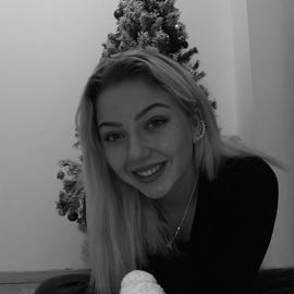 LeonieNita