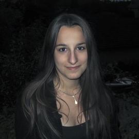 Caroline75016