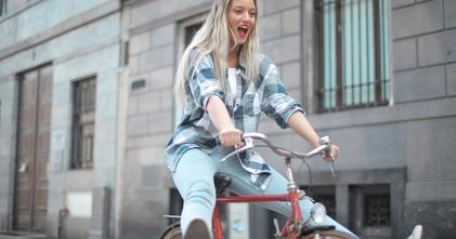Recherche femmes blondes entre 18 et 25 ans pour tournage publicitaire