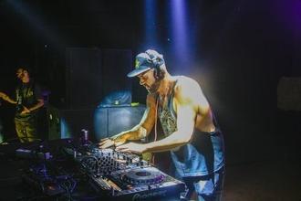 Casting figurant entre 20 et 30 ans DJ pour tournage