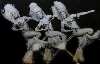 Casting danseuses effeuillage pour un grand Cabaret parisien
