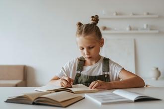 Recherche actrice fille entre 2 et 10 ans pour tournage série fiction