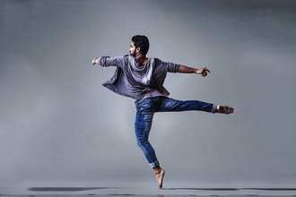 Casting homme danseur contemporain pour vidéo clip