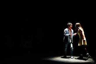 Recherche comédiens danseurs chanteurs entre 20 et 30 ans pour spectacle Folies Bergère