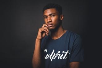 Recherche jeune homme noir antillais pour tournage film de Raoul Peck