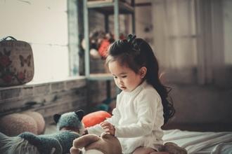 Cherche petite fille typé asiatique pour tournage film publicitaire marque cosmétiques